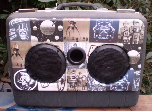 Grey Sci-Fi Billy Sonic Suitcase Speaker