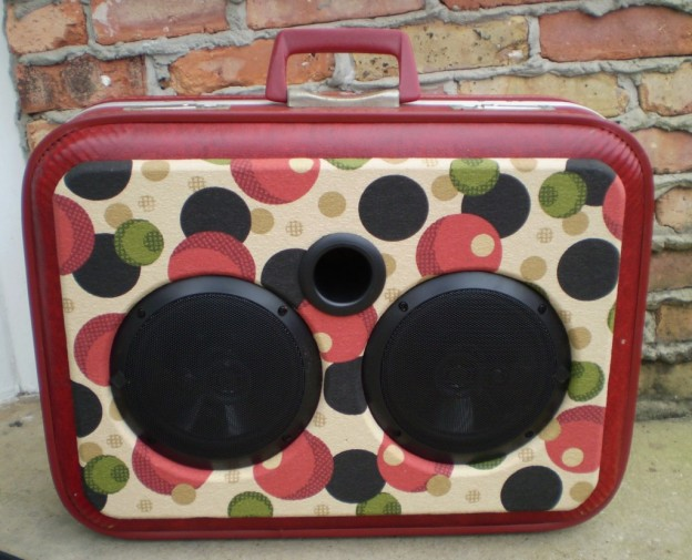 red-eye sonic suitcase speaker