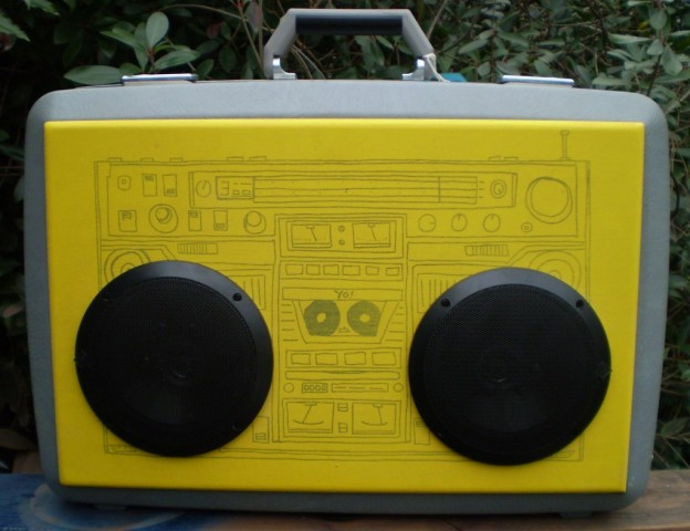 Silver Boombox Sonic Suitcase Speaker