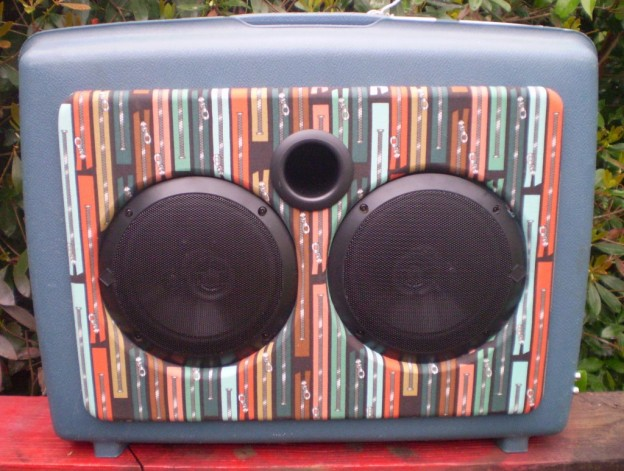Blue Zippers Sonic Suitcase Speaker