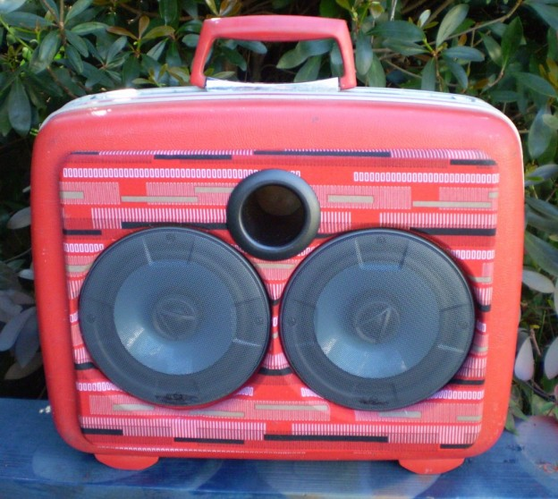 Red Go Sonic Suitcase Speaker