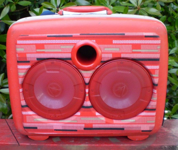Red Go Remix Sonic Suitcase Speaker