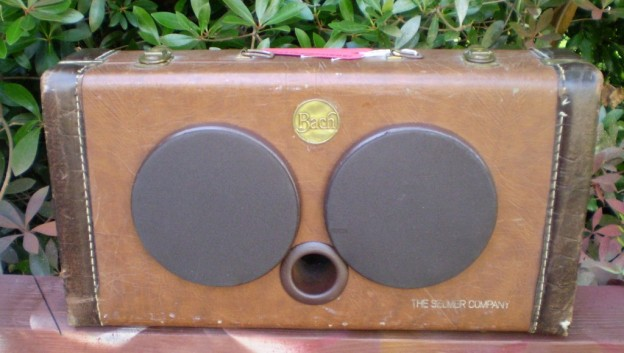 Brown Sax Sonic Suitcase Speaker