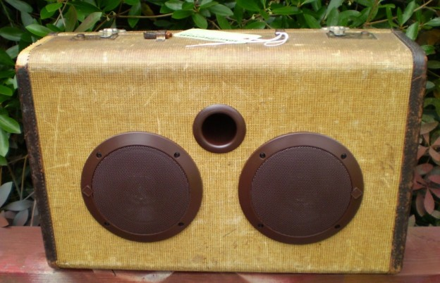Honey Don't Sonic Suitcase Speaker