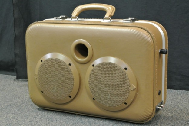 Brown Bakery Sonic Suitcase Speaker