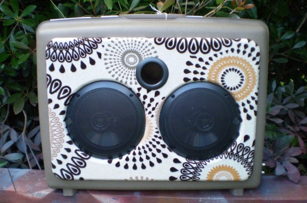 Brown Sun Sonic Suitcase Speaker