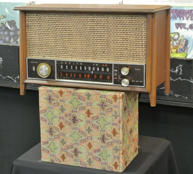 Zenith Cross Retro Radio Conversion