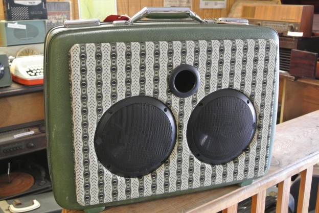 Green Spirit Sonic Suitcase Speaker