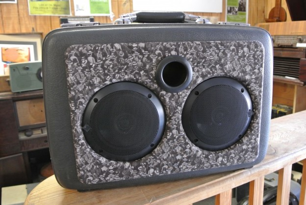 Grey Crowd Sonic Suitcase Speaker