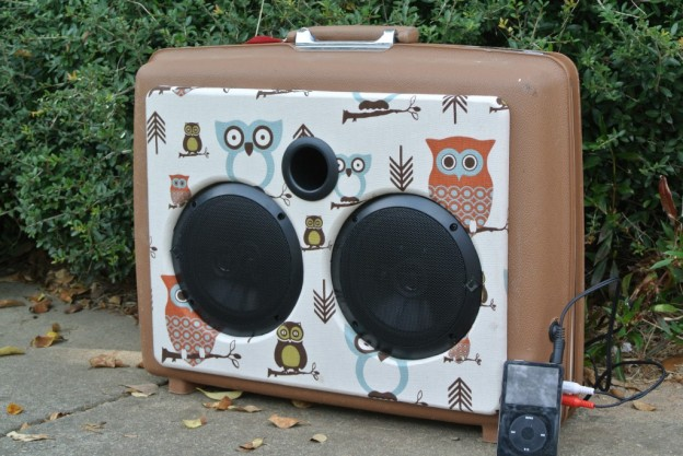 Brown Owl-sley Sonic Suitcase Speaker