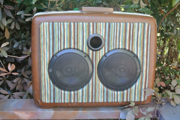 BROWN DRIVE BY TRUCKERS SONIC SUITCASE SPEAKER