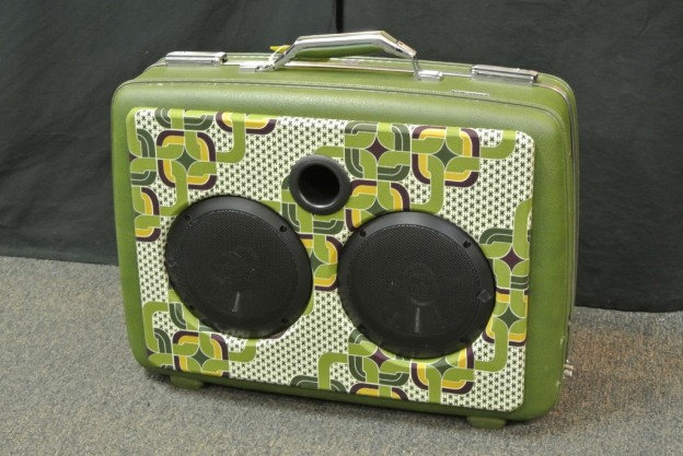 GREEN PENTANGLE SONIC SUITCASE SPEAKER
