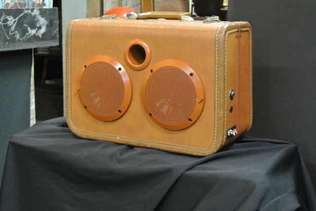TAN FLAT DUO JETS SONIC SUITCASE