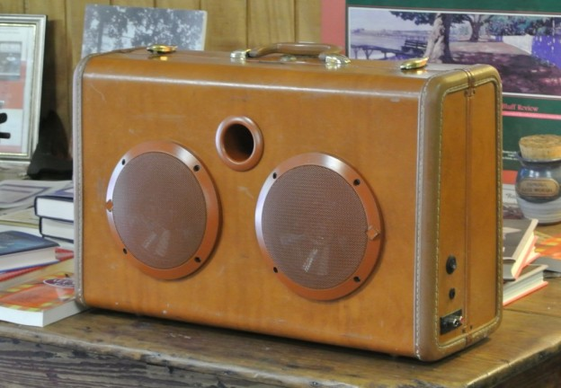 Camel Supergrass Sonic Suitcase Speaker
