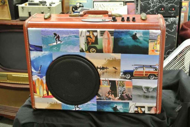 Cordovan Beach Boys Sonic Suitcase Guitar Amplifier