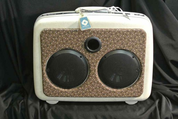 White Jefferson Airplane Sonic Suitcase Speaker