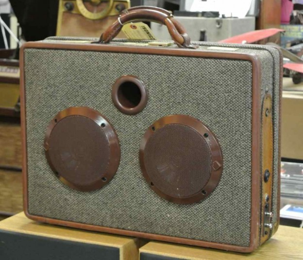Brown Grant Hart Sonic Suitcase Speaker
