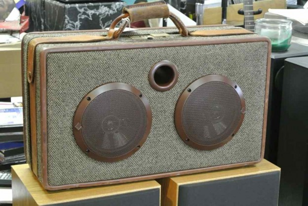 Brown Jaco Sonic Suitcase Speaker