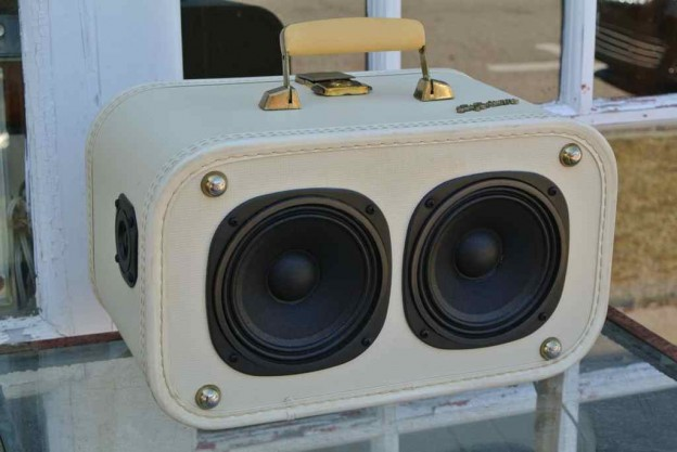 White Buffalo Sonic Suitcase Speaker