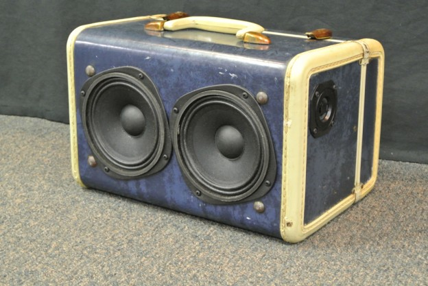 blue train sonic suitcase speaker