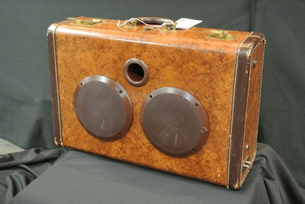 Brown Swirl Higgins Sonic Suitcase Speaker
