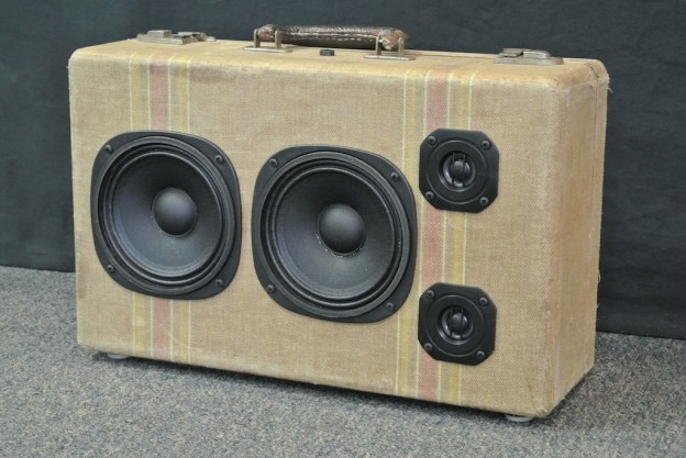 Tan Dreamer Sonic Suitcase Speaker