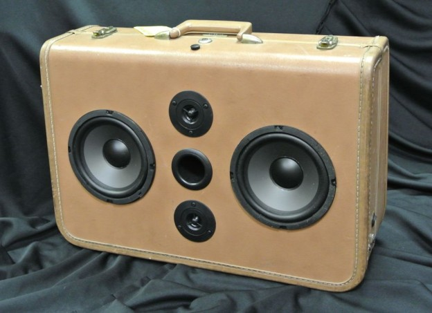 Tan Keeper Sonic Suitcase Speaker