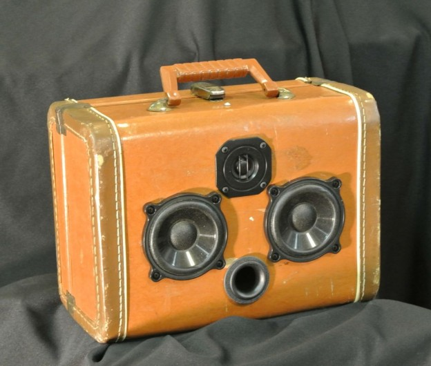 Brown Relijun Sonic Suitcase Speaker