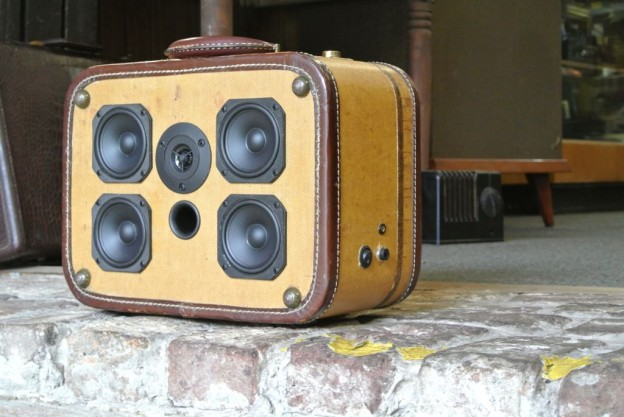 Tweed Lucky Sonic Suitcase Speaker