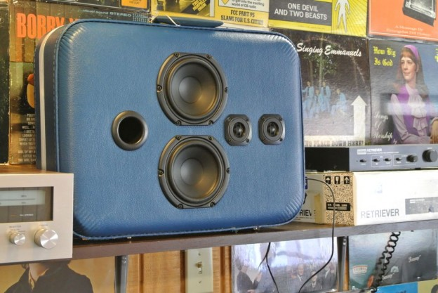 Blue Treat Sonic Suitcase Speaker