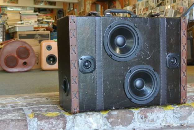 Brown Ex Sonic Suitcase Speaker