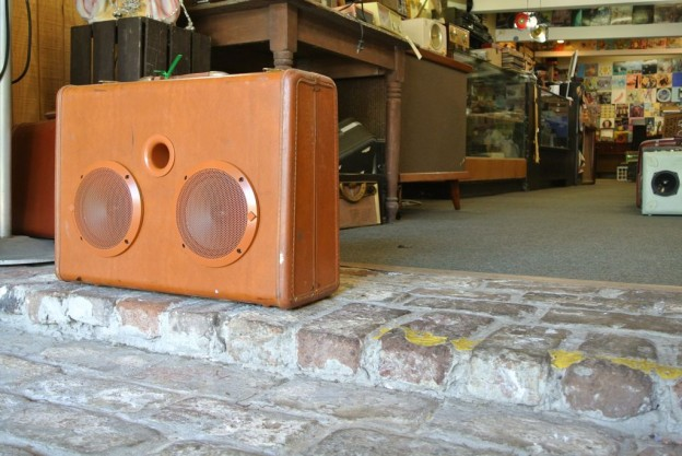 Butterscotch Noel Redding Sonic Suitcase Speaker