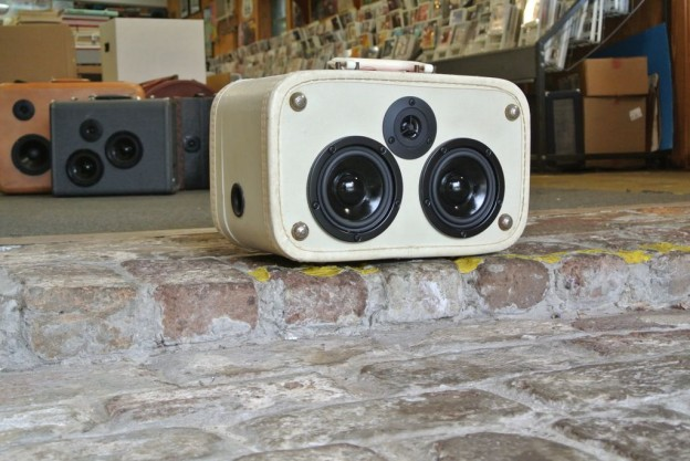 White Towncraft Sonic Suitcase Speaker