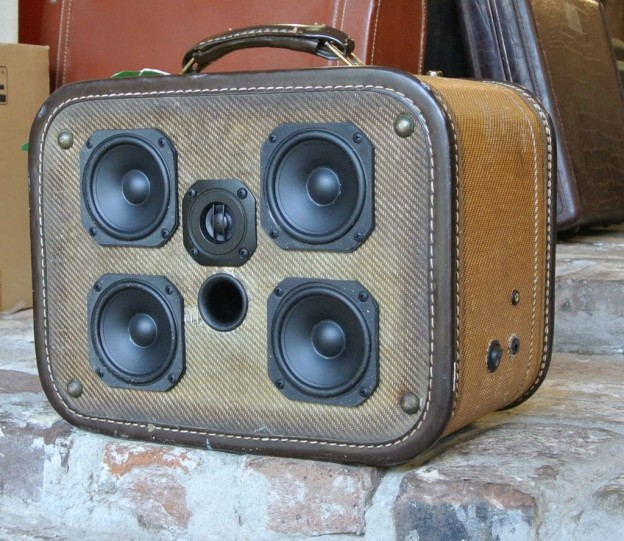 Tweed Fish Sonic Suitcase Speaker