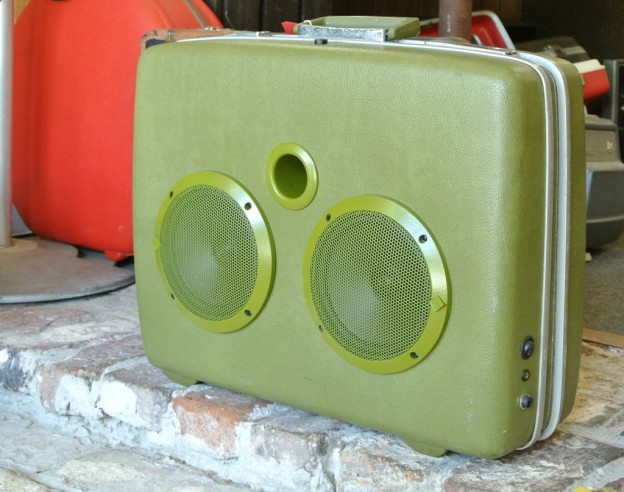 Green Roxy Sonic Suitcase Speaker
