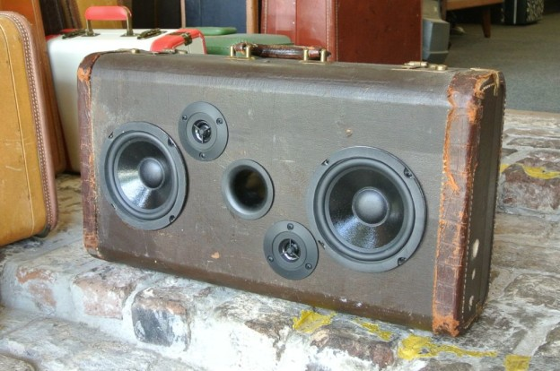 Brown St. Louis Sonic Suitcase Boombox
