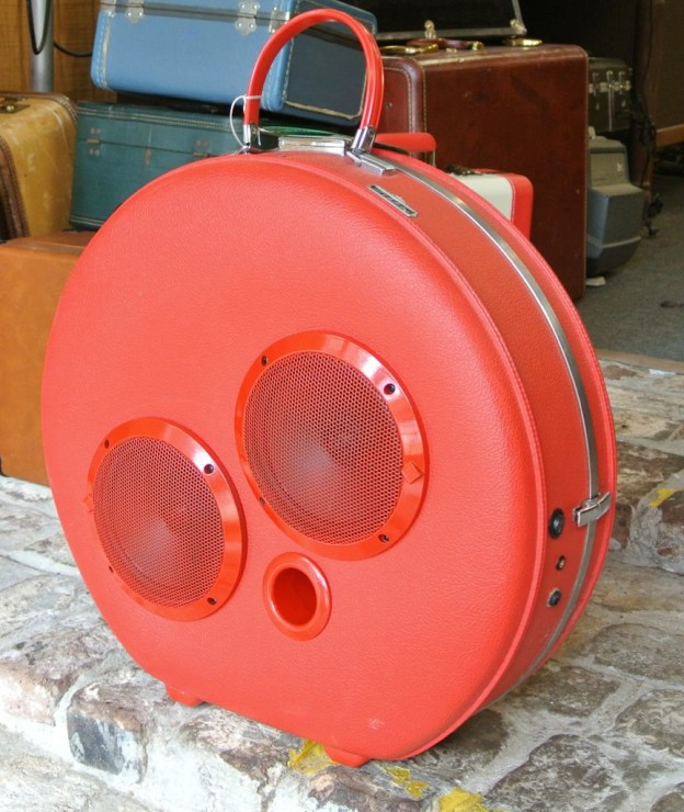 Red Count Sonic Suitcase Boombox