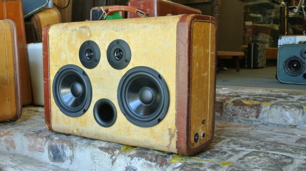 Tweed Hybrid Sonic Suitcase Boombox