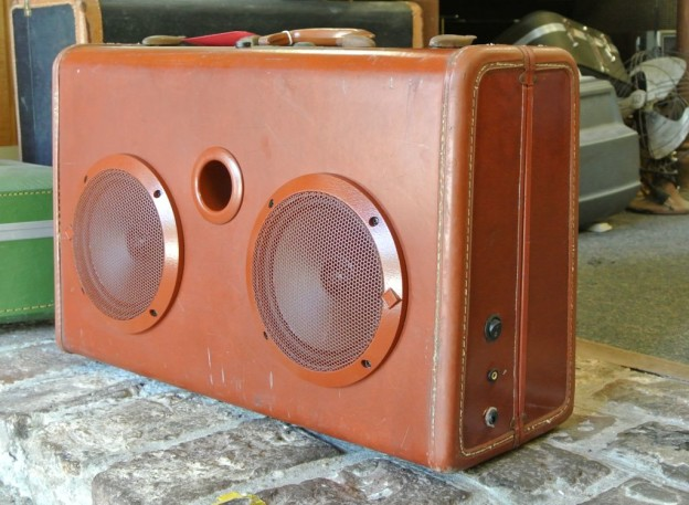 Cordovan Trail Sonic Suitcase Boombox