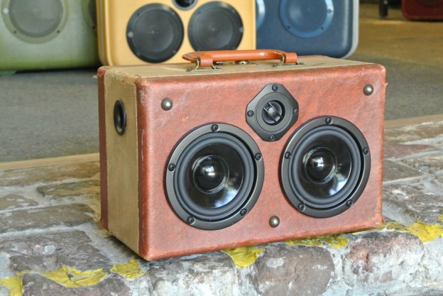 Tan Trio Sonic Suitcase Speaker
