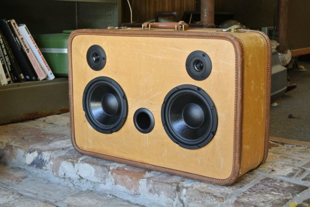 Tweed Scratch Sonic Suitcase Boombox