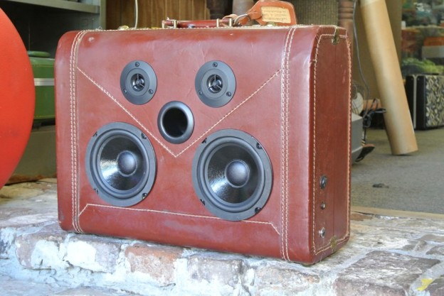Maroon Byrne Sonic Suitcase Boombox
