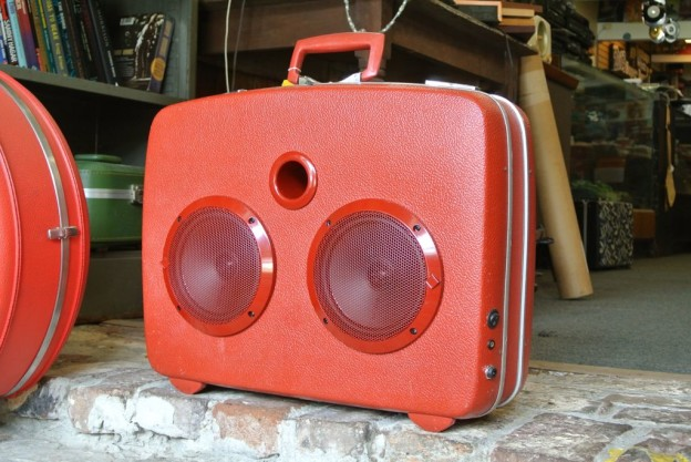 Red Kick Sonic Suitcase Speaker