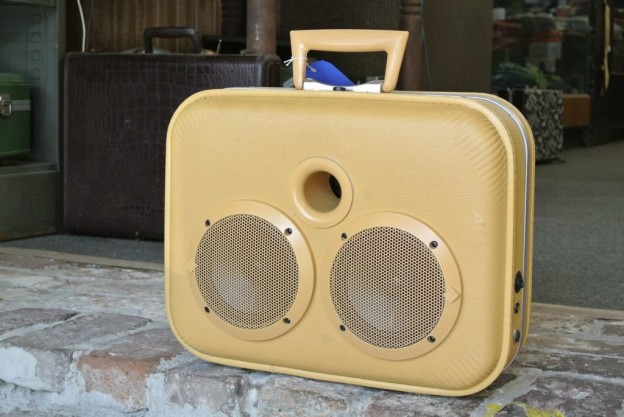 Yellow Pal Sonic Suitcase Speaker