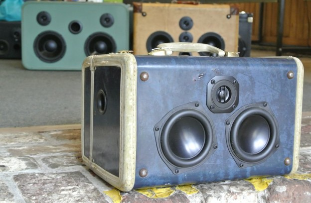 Blue Wedge Sonic Suitcase Boombox