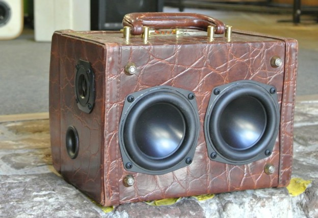 Brown Bop Sonic Suitcase Boombox