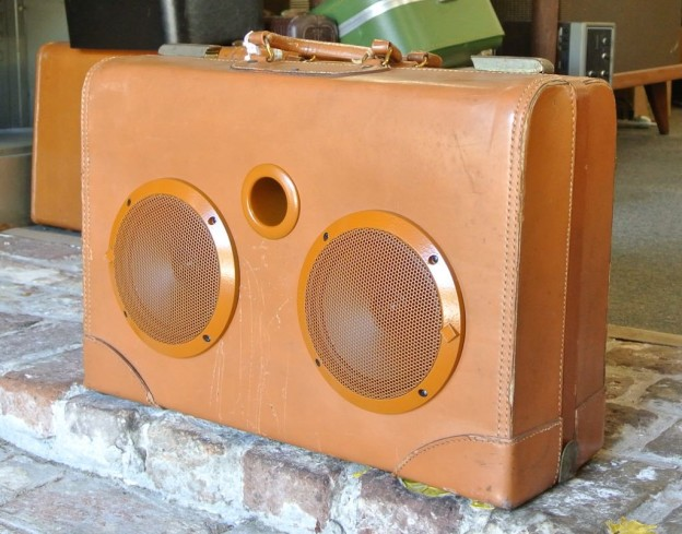 Tan Spool Sonic Suitcase Boombox