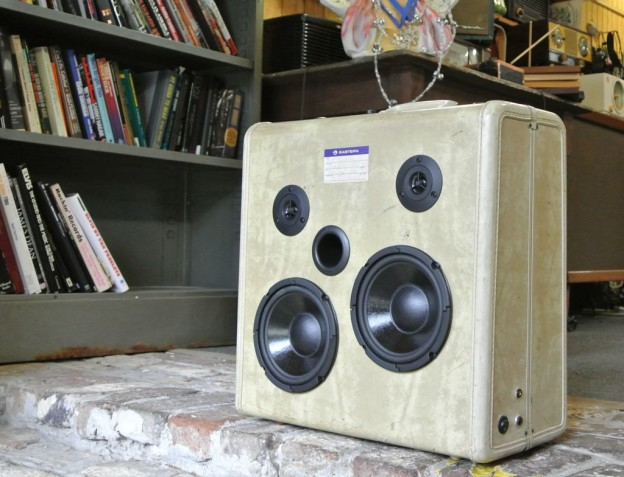 White Acre Sonic Suitcase Speaker