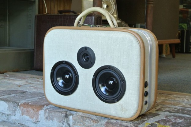 White Cart Sonic Suitcase Speaker